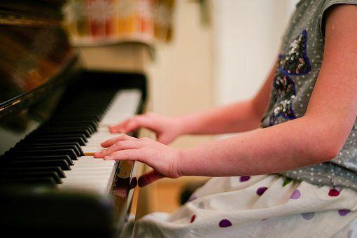 piano-2323844__340