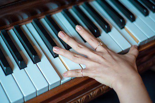 piano-1531788__340