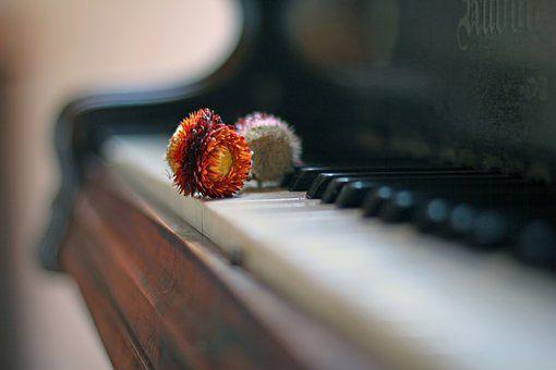 piano-2308370__340
