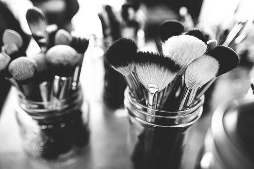 brushes-1837192__340